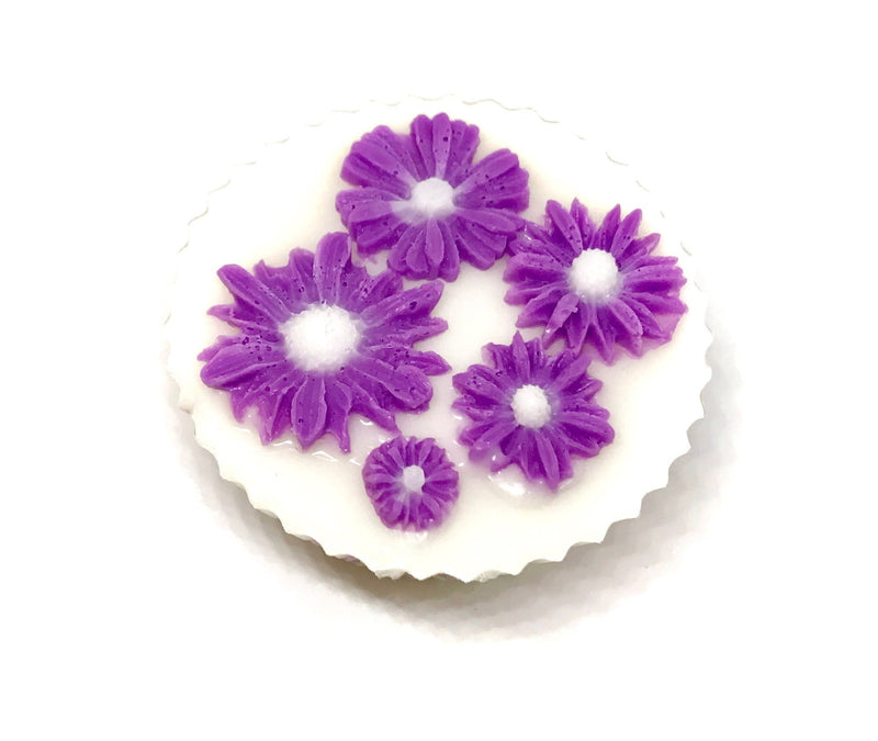 White Cupcake Soap with Pink Daisies - SoapyMania