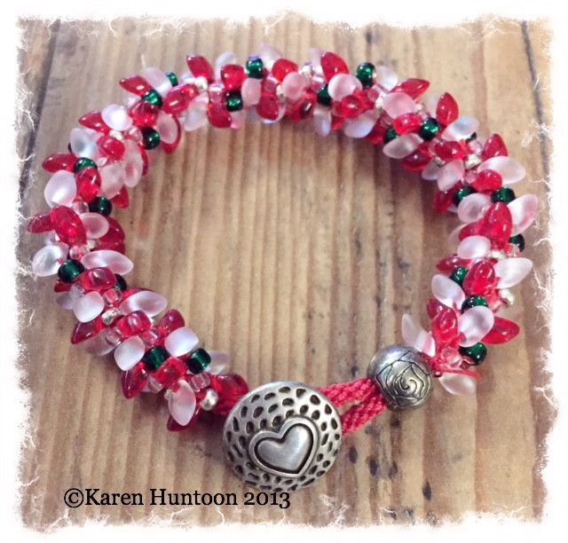 Clunky, Funky & Fun Magatama Bracelet Kit - Peppermint