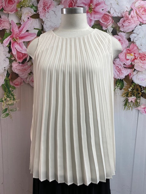 Frank Lyman Pleated Top - Fashion Focus