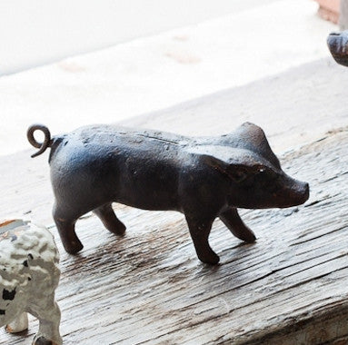 Primitive Cast Iron Pig