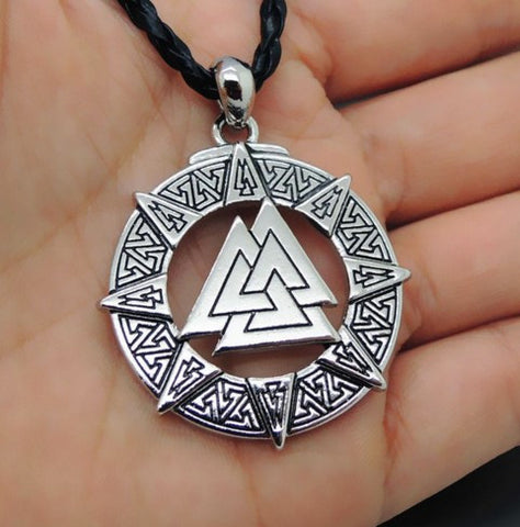 VINTAGE VALKNUT ODIN'S SYMBOL OF VIKINGS NECKLACE
