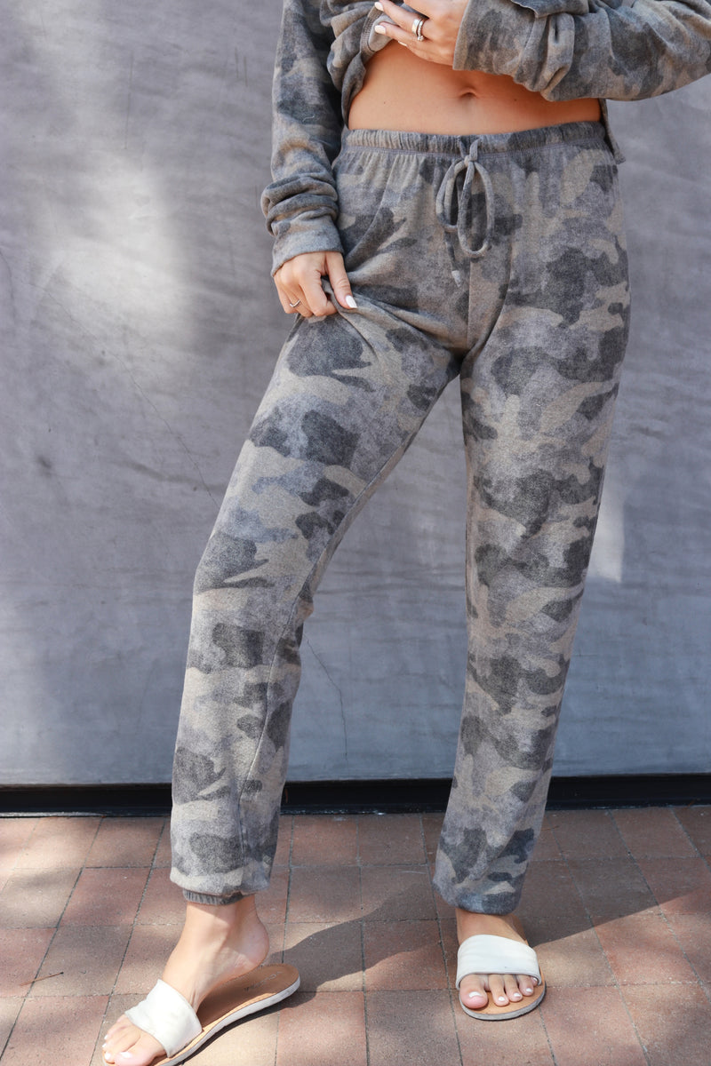 Loungy Sweatpant olive camo - Stevie Sister