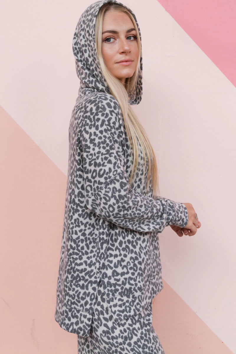 Banded Bottom Hoodie oatmeal leopard - Stevie Sister