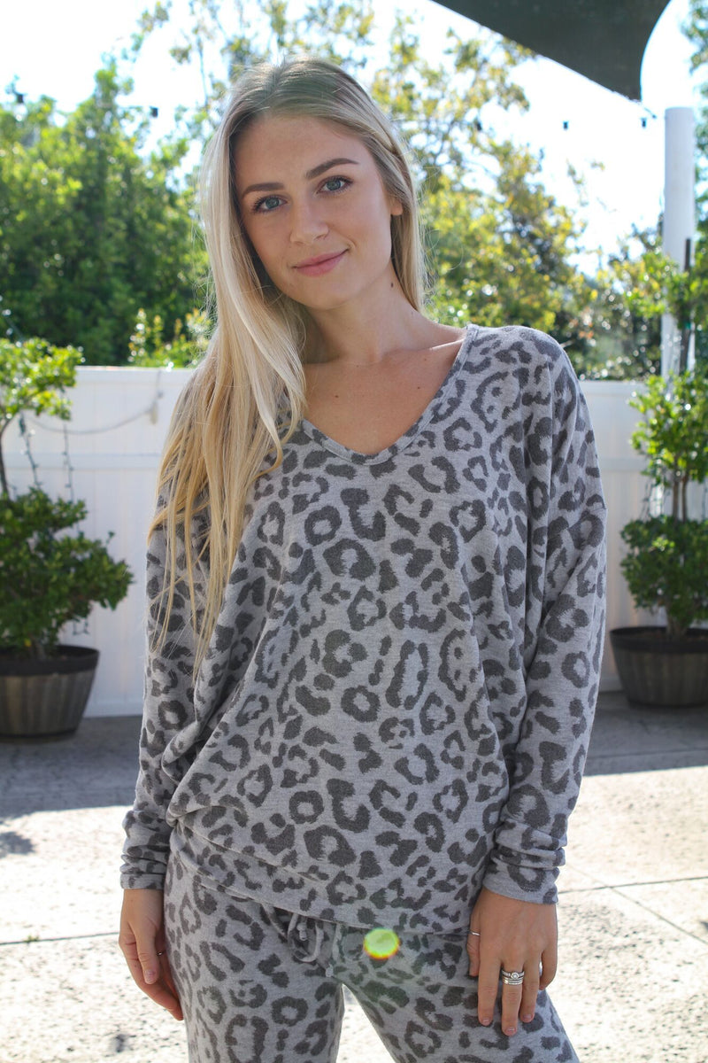 V Neck Leopard Sweater - Stevie Sister