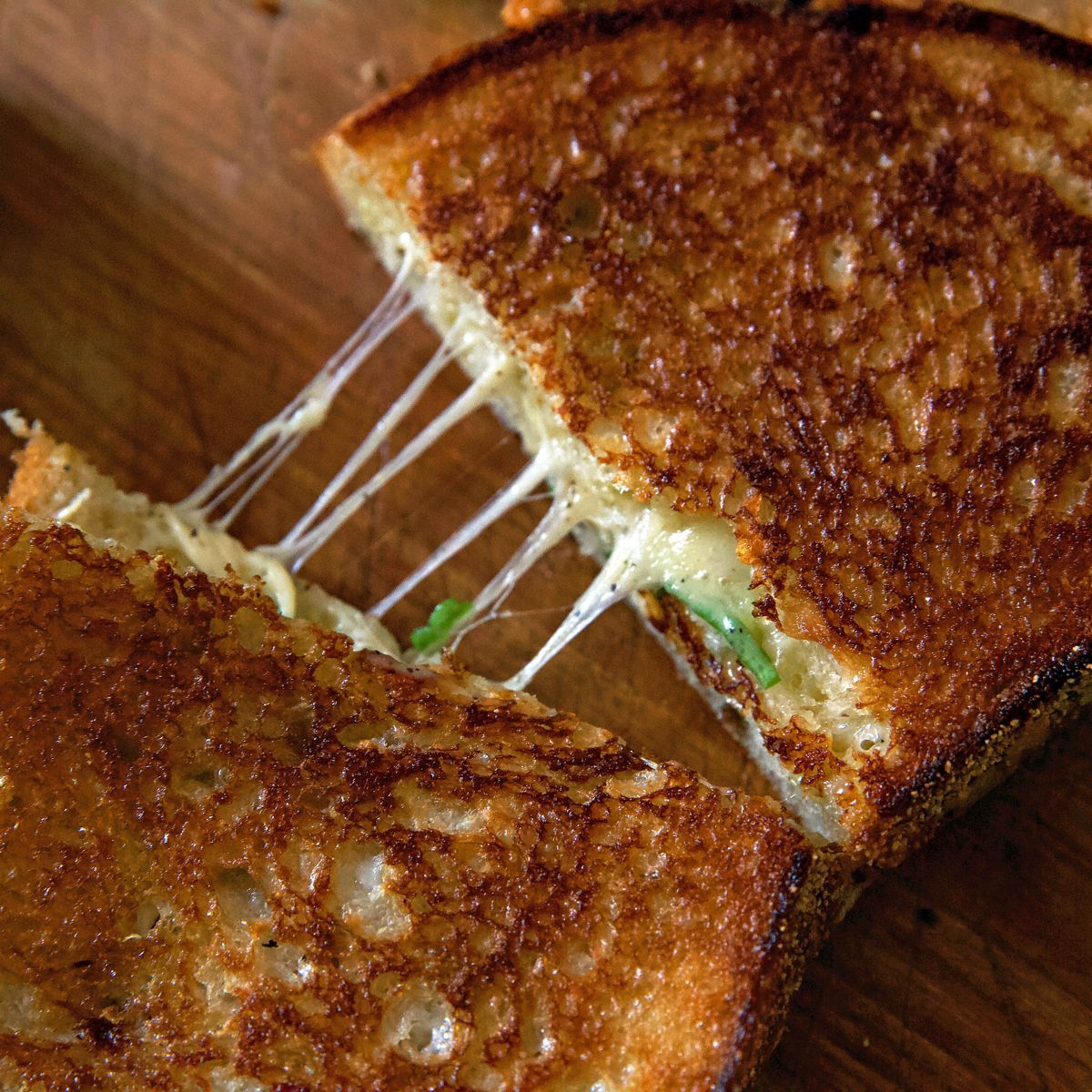 easy grilled cheese sandwich on cinder grill