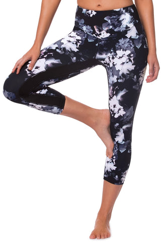 Against The Elements 3/4 Legging - Black