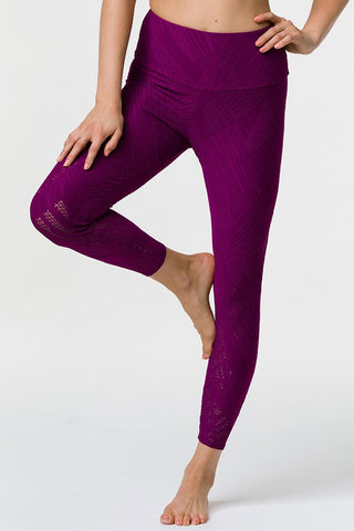 Selenite 7/8 Midi Legging - Black Cherry