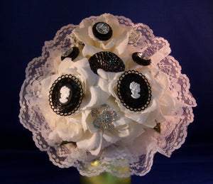 Bouquet-Vintage Look Black and White Cameo