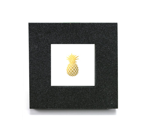 Mini cubicle wall mirror with Gold Pineapple