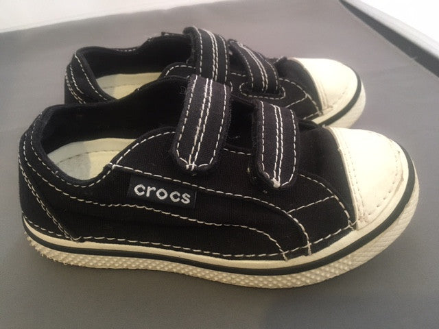 Croc Kids Adjustable Strap Shoes Black Sz 9