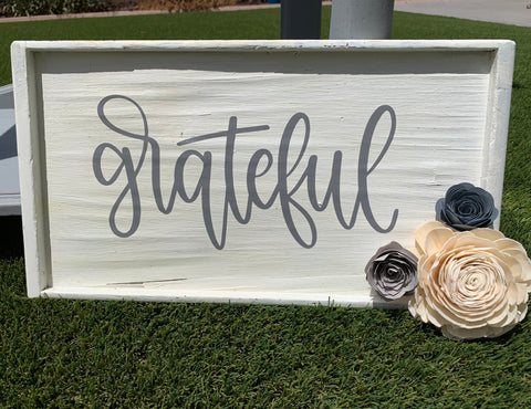 Grateful Vintage Wood Sign with Sola & Paper Flowers