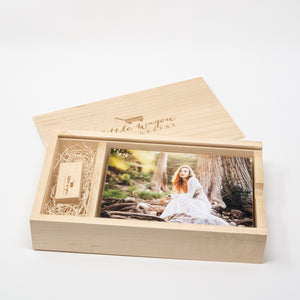 5 x 7 Maple Photo Box and USB Flash Drive 3.0