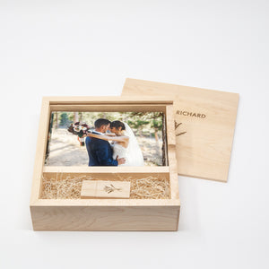 4 x 6 Maple Photo Box and USB Flash Drive 3.0