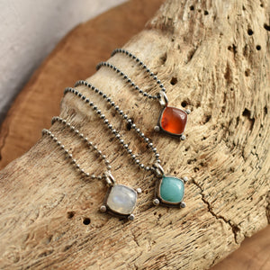 Rainbow Moonstone Little Charm Pendant - Moonstone Pendant - Moonstone Necklace - Moonstone Charm