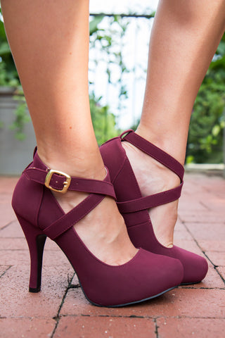 products/Sassy_Strappy_Heels-2.jpg