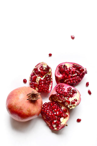 Pomegranates are in season! Try Living Juice's organic, vegan pomegranate chia seed recipe today
