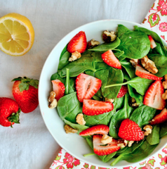 Living Juice Organic Simple Strawberry and Spinach Salad