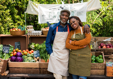 O2 Living blog - couple at farmer's market - by makers of Living Health and wellness hemp extract and progesterone products