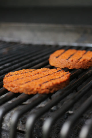 veggie burgers- O2 Living blog makers of organic cold-pressed fruit and vegetable Living Juice