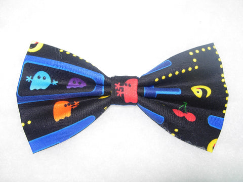 Pac Man Bow tie / Pac Man Video Game on Black / Pre-tied Bow tie - Bow Tie Expressions