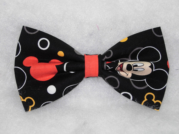 Mickey Mouse Bow tie / Mickey Mouse Faces on Black / Disney Party / Pre-tied Bow tie - Bow Tie Expressions