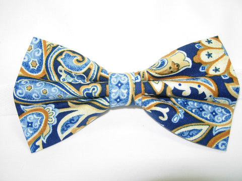 STAR SPANGLED BANDANA PAISLEY PRE-TIED BOW TIE - ON A BLUE OR RED BACKGROUND - Bow Tie Expressions  - 2