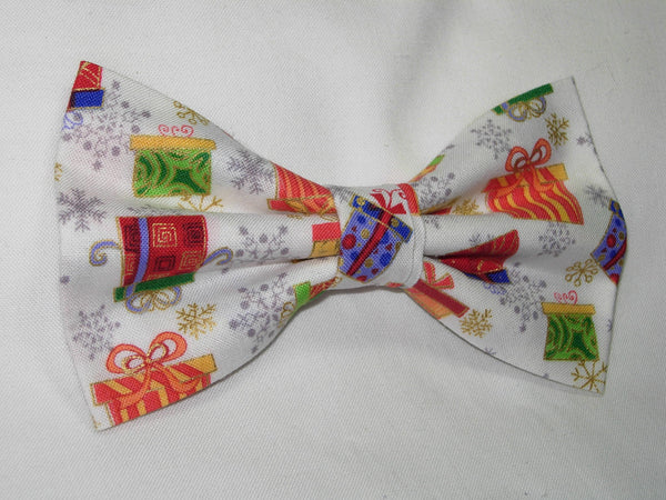 CHRISTMAS GIFTS PRE-TIED BOW TIE - COLORFUL CHRISTMAS GIFTS & SNOWFLAKES WITH METALLIC GOLD TRIM ON WHITE - Bow Tie Expressions  - 2
