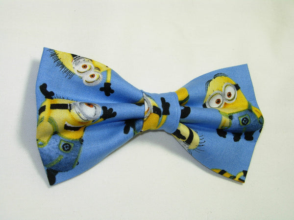 Minions Bow tie / Despicable Me Minions on Blue / Minion Birthday Party / Pre-tied Bow tie - Bow Tie Expressions