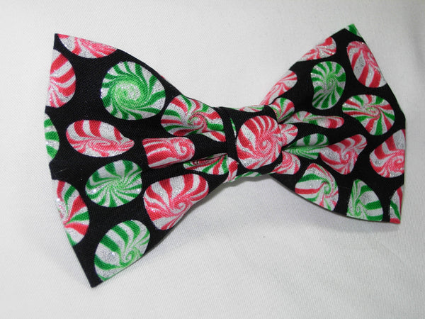 PEPPERMINT DISK PRE-TIED BOW TIE - GLITTERING RED & GREEN CHRISTMAS PEPPERMINT CANDY DISKS ON BLACK - Bow Tie Expressions