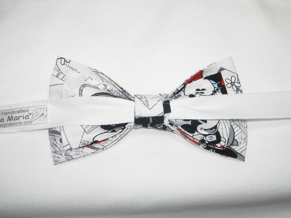Mickey Mouse Bow tie / Vintage Mickey on White / Disney Party / Pre-tied Bow tie - Bow Tie Expressions