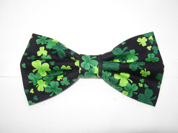 THREE LEAF CLOVERS / SHAMROCKS TOSSED ON BLACK PRE-TIED BOW TIE - Bow Tie Expressions  - 1