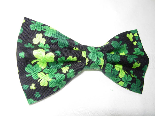 THREE LEAF CLOVERS / SHAMROCKS TOSSED ON BLACK PRE-TIED BOW TIE - Bow Tie Expressions  - 2