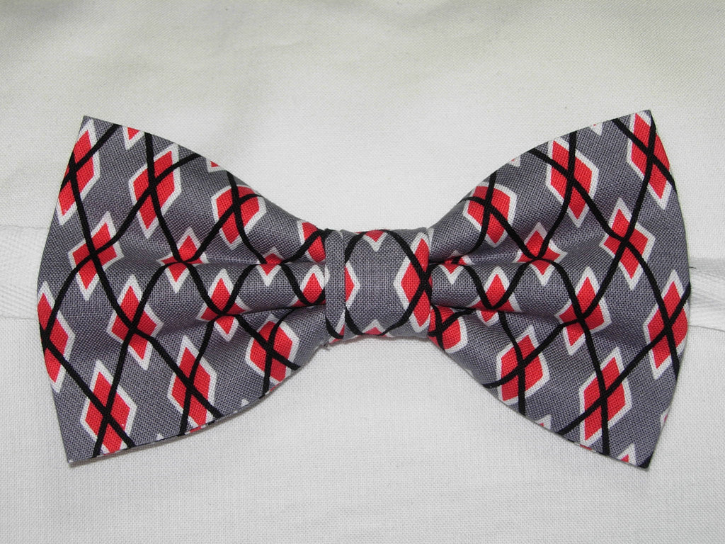 Trendy Argyle Bow tie / Graphite Gray, Red, Black & White / Pre-tied Bow tie - Bow Tie Expressions