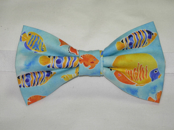 TRANQUIL TIDES BOW TIE - COLORFUL FISH SWIMMING IN A LIGHT BLUE SEA - Bow Tie Expressions  - 2