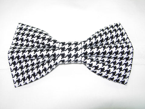 "Houndstooth Bow tie / Black & White Houndstooth (1/4"") Pre-tied Bow tie"