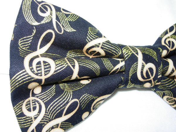 Music Bow tie / Gold Treble Clefs on Black / Recitals / Pre-tied Bow tie - Bow Tie Expressions