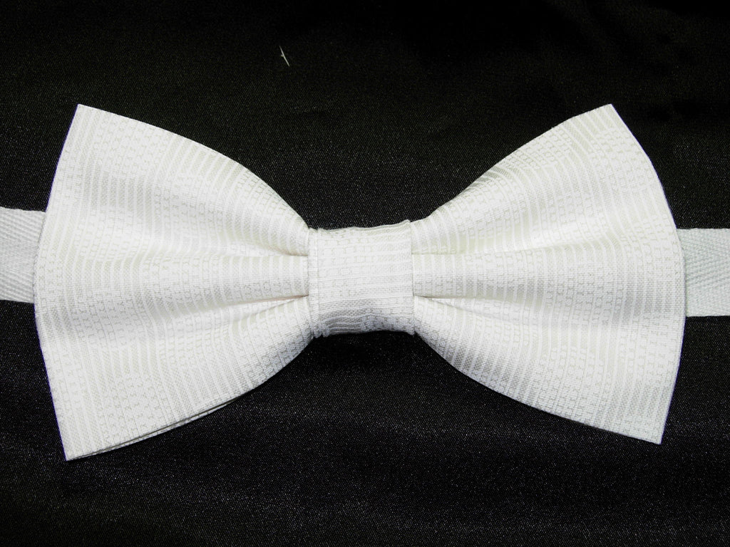 Snow White Bow tie / Solid White with Circular Designs / Pre-tied Bow tie - Bow Tie Expressions
