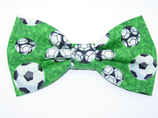 Soccer Bow tie / Soccer Balls on Green / Gift for Coach / Pre-tied Bow tie - Bow Tie Expressions