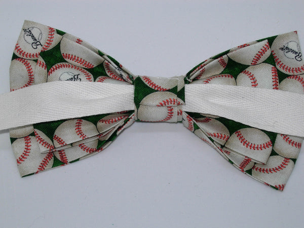 Baseball Bow Tie / Baseballs on a Green / Self-tie & Pre-tied Bow tie - Bow Tie Expressions