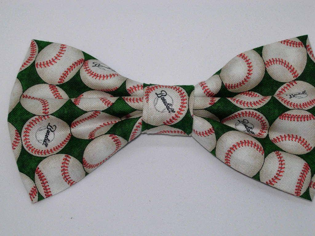 Baseball Bow Tie / Baseballs on a Green / Pre-tied Bow tie - Bow Tie Expressions