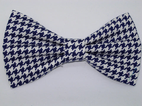 Houndstooth Bow tie / Navy Blue & White Houndstooth / Pre-tied Bow tie