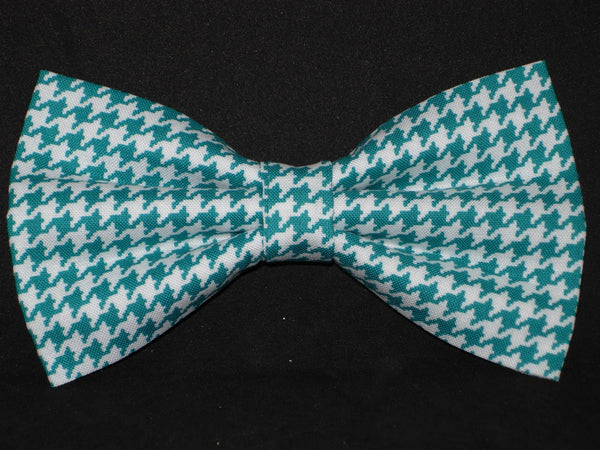 Houndstooth Bow tie / Aqua Marine Blue & White Houndstooth / Pre-tied Bow tie