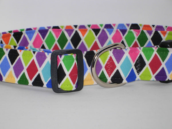 Trendy Diamonds Dog Collar / Bright Diamond Shapes on White / Matching Dog Bow tie - Bow Tie Expressions