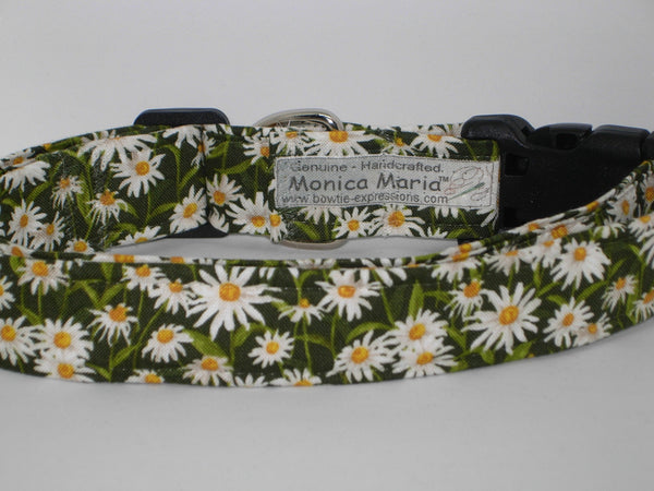 Daisy Dog Collar / White Daisies on Dark Green / Matching Dog Bow tie - Bow Tie Expressions