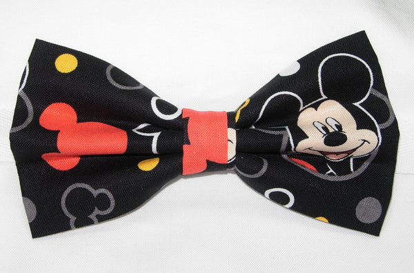 Mickey Mouse Bow tie / Mickey Mouse Faces on Black / Disney Party / Self-tie & Pre-tied Bow tie - Bow Tie Expressions