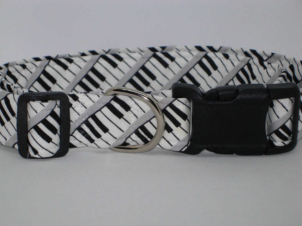 Music Dog Collar / Black & White Piano Keys / Musician's Pet / Matching Dog Bow tie