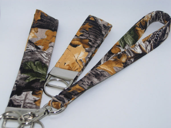 Realtree Camo Lanyard / Hunting Lanyard / Camo Key Chain, Key Fob, Cell Phone Wristlet - Bow Tie Expressions