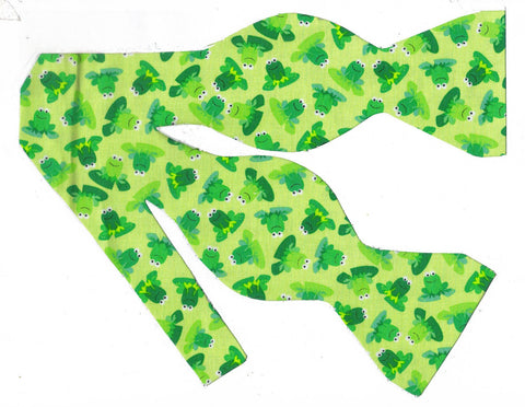 FEELING FROGGY! BOW TIE - HAPPY GREEN FROGS ON A LIGHT GREEN BACKGROUND - Bow Tie Expressions