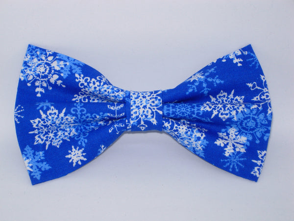 Christmas Bow tie / White Snowflakes on Blue / Pre-tied Bow tie - Bow Tie Expressions