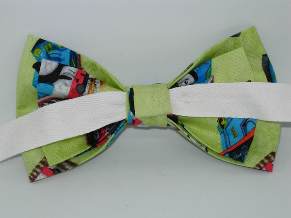 Thomas Train Bow tie / Thomas the train on Light Green / Self-tie & Pre-tied Bow tie
